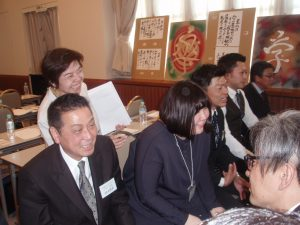 コミュニケーション能力1級とキャリアコンサルタントの資格を持つ加藤の講義は楽しくいつも笑顔