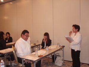 キャリアコンサルタントの加藤の講義は明るく笑顔がいっぱい