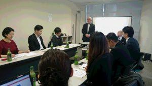 弊社代表・斉子より挨拶と学びの意味を話す